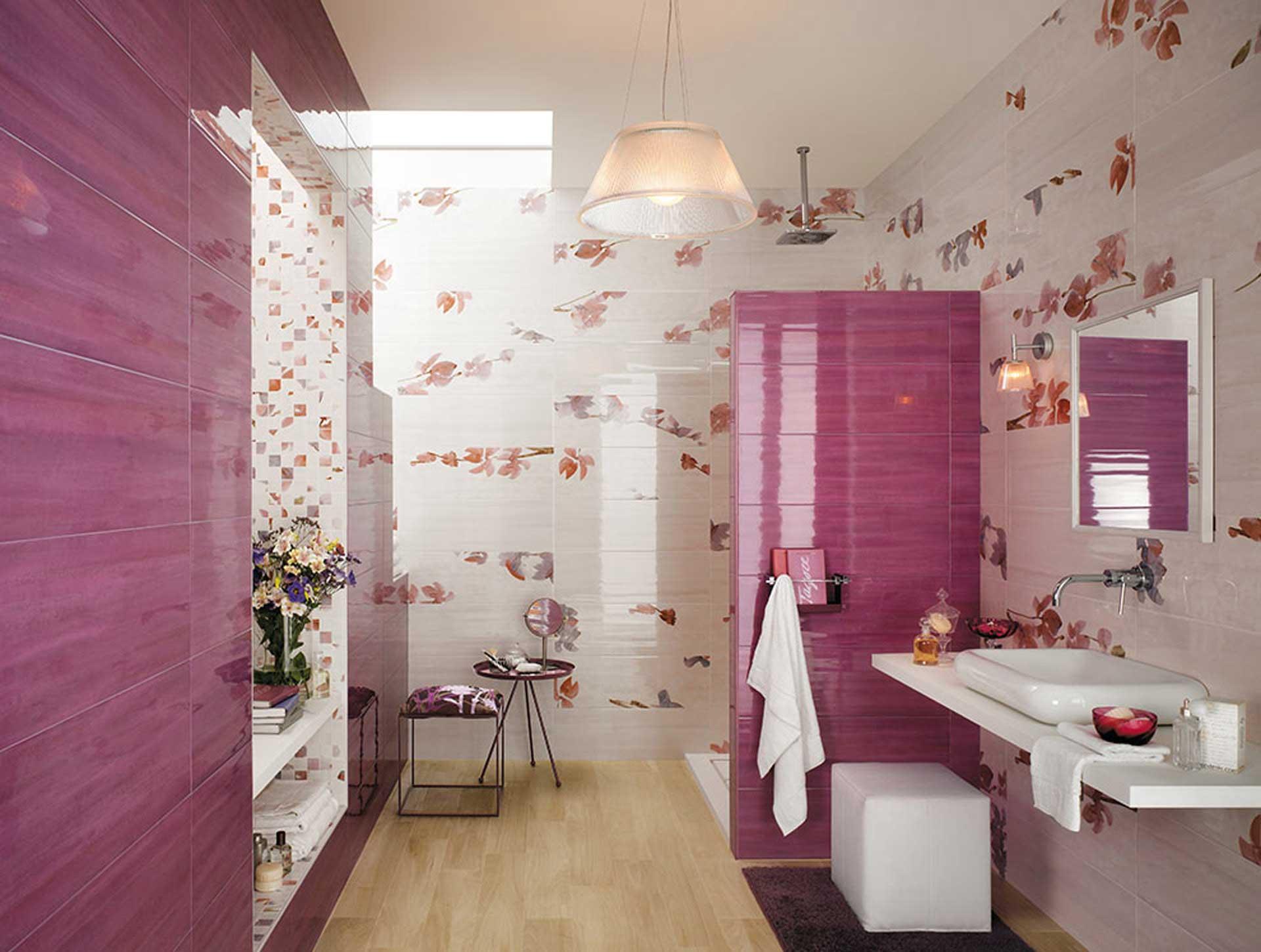 Sole un mix di decori e mosaici per il rivestimento bagno for Decorazioni per il bagno