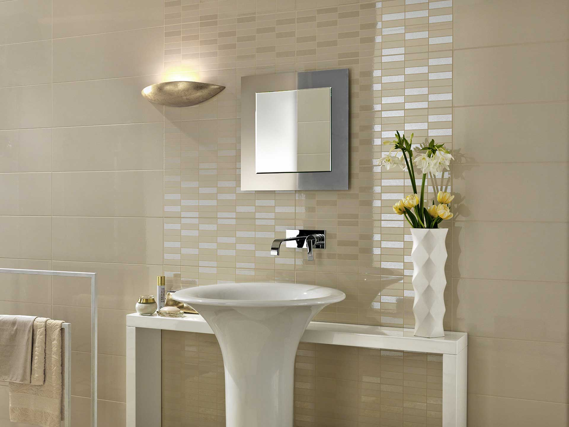 Colourline decori e colori per un rivestimento bagno chic - Ceramiche per bagno marazzi ...