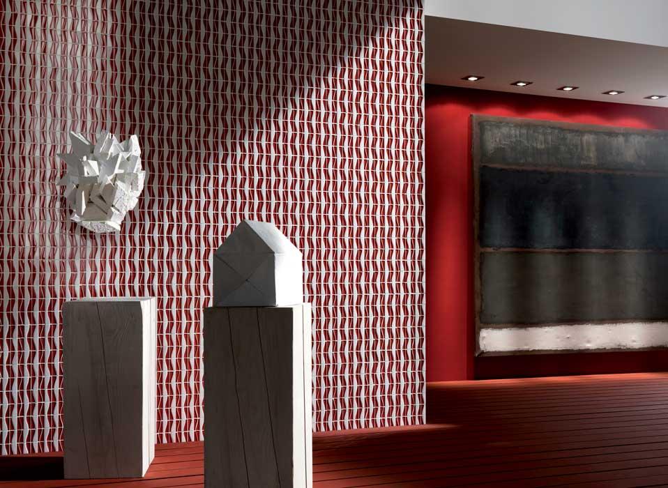 Legno, pietre naturali, vetro e metallo per un mosaico dalle ...